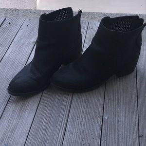 Black boots